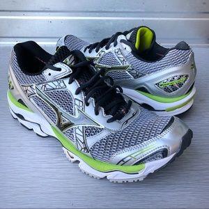 Mizuno | Wave Narvana 7 Lime Running Shoes 11.5